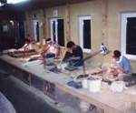 陶芸家の育成を始める